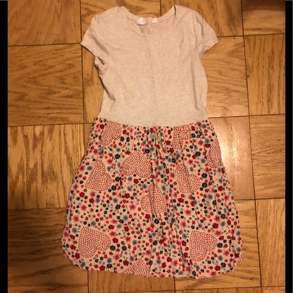 GAP Other - Adorable gap dress with heart pattern.